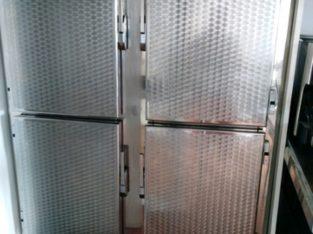 Refrigerador de 4 puertas