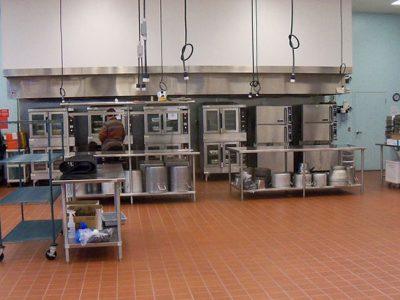 ¿Por qué abren más dark kitchens mientras cierran restaurantes?