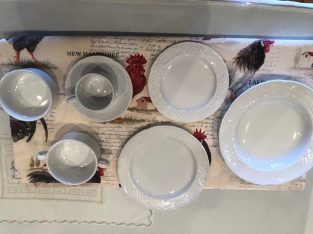 vendo menaje de catering:platos , copas, cubiertos, vasos..etc