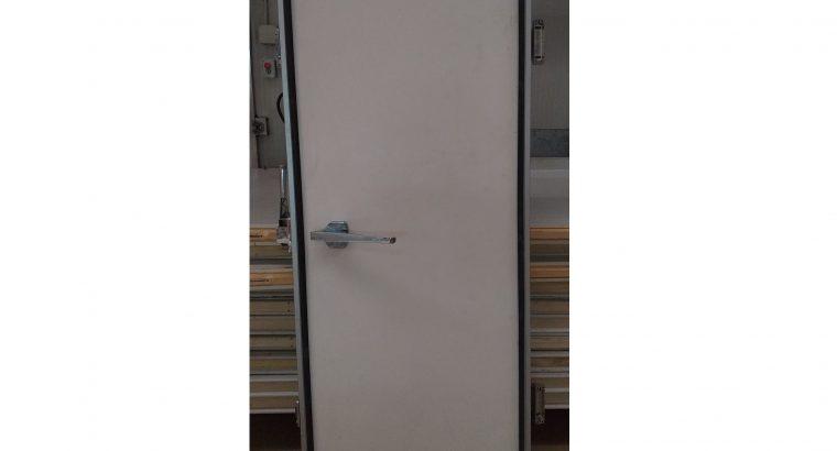 Puerta Cámara frigorífica 82 X 192 X 8